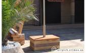 Фонарная тумба и декоративная скамейка